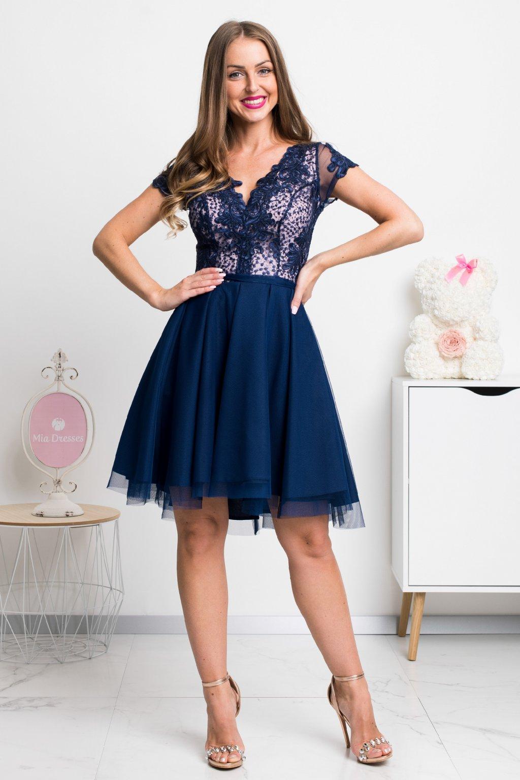 Tmavomodré krátke šaty s tylovou sukňou a krajkou