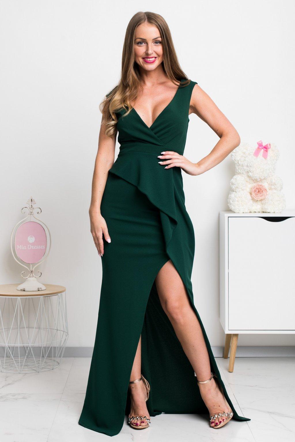 Smaragdové priliehavé šaty s rozparkom