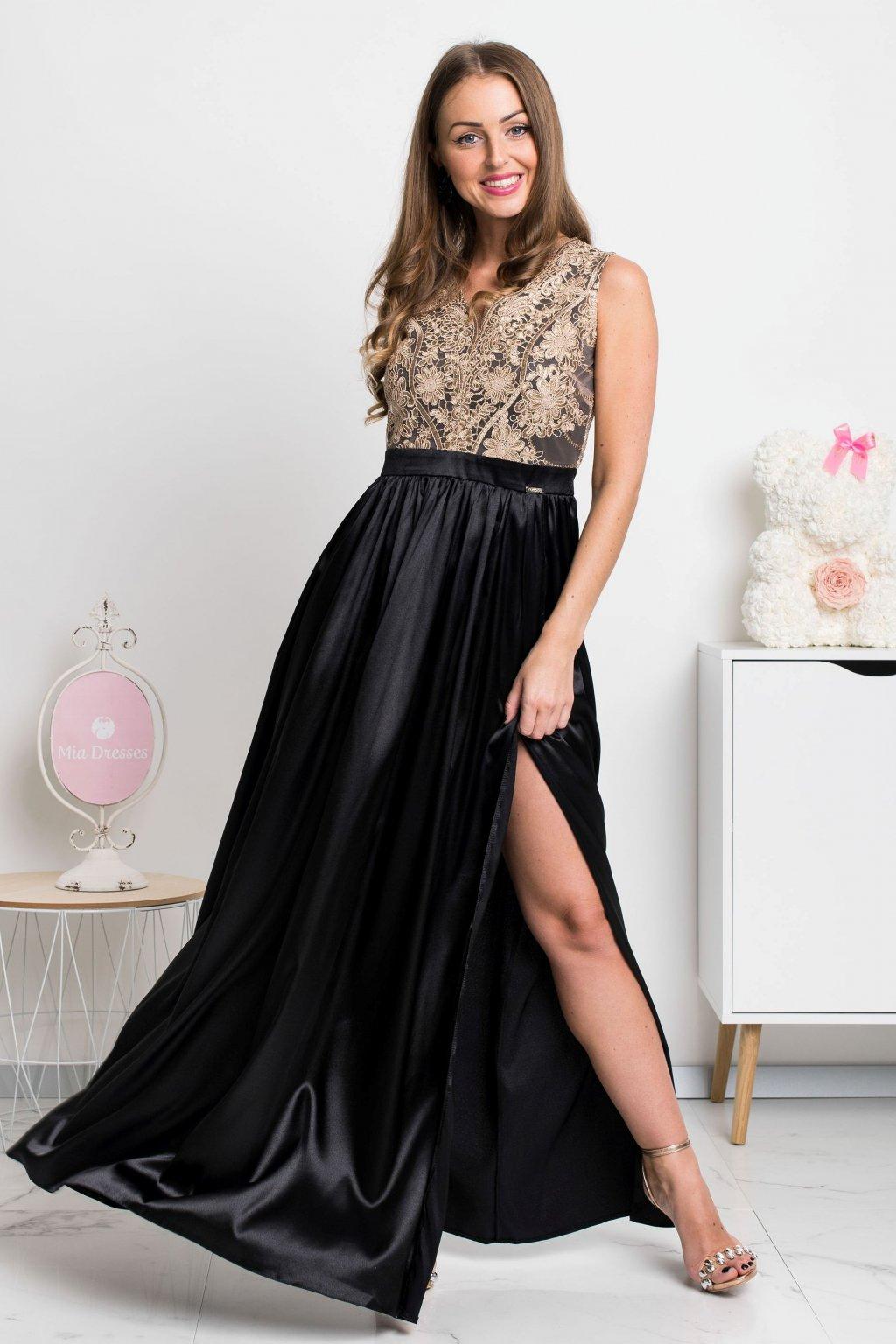 Čierno-zlaté spoločenské šaty s odhaleným chrbtom