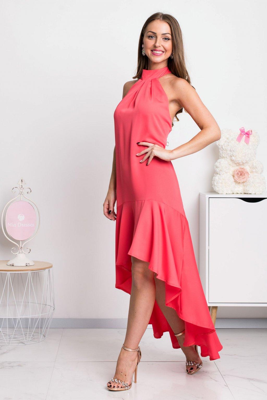 Koralové spoločenské šaty s volánovou sukňou