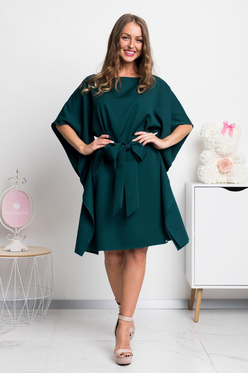 Smaragdové krátke šaty s voľnými rukávmi