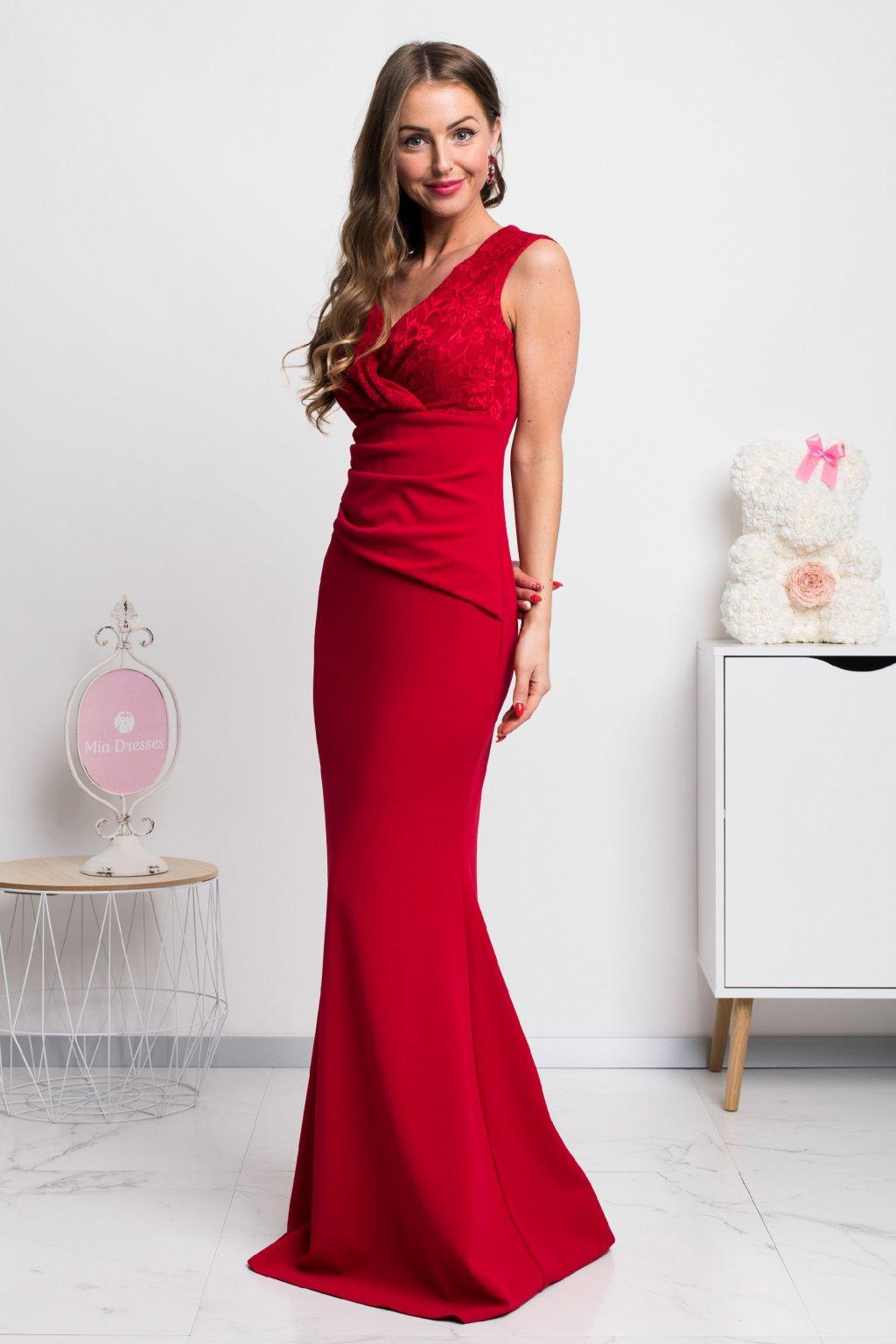 Červené dlhé spoločenské šaty s čipkou