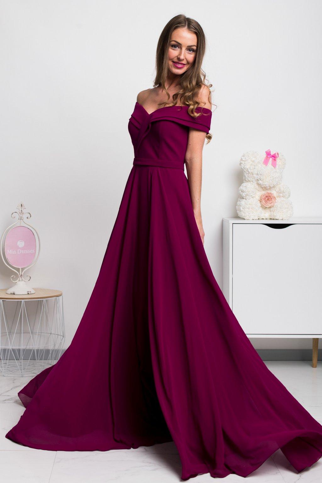 Purpurové spoločenské šaty spustené na ramená