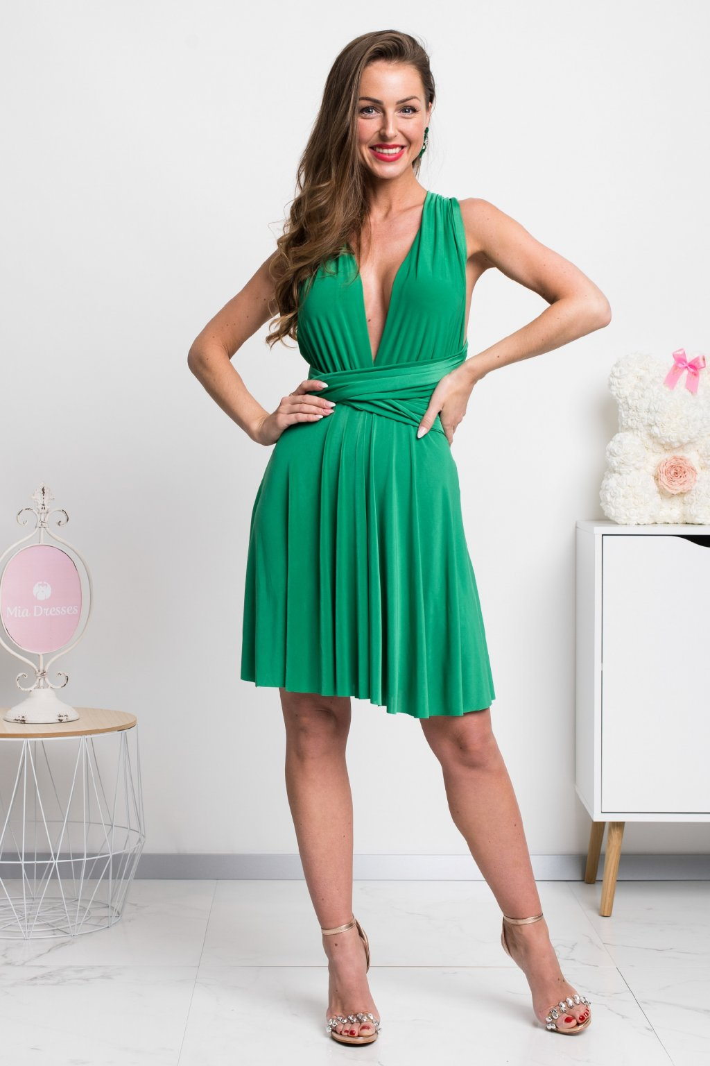 Zelené mini šaty na viazanie