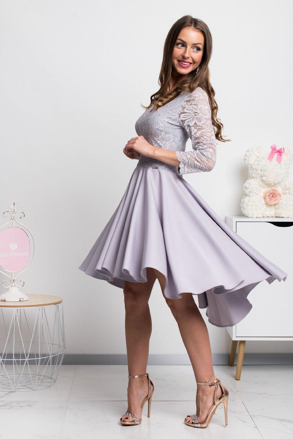 Sivé asymetrické šaty s čipkou