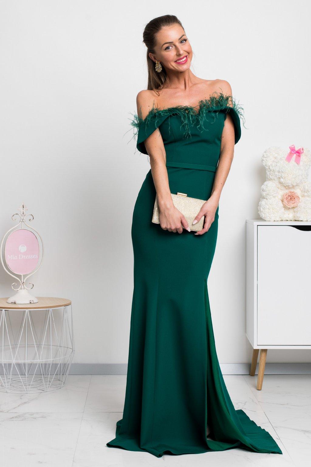 Smaragdové spoločenské šaty s pierkami