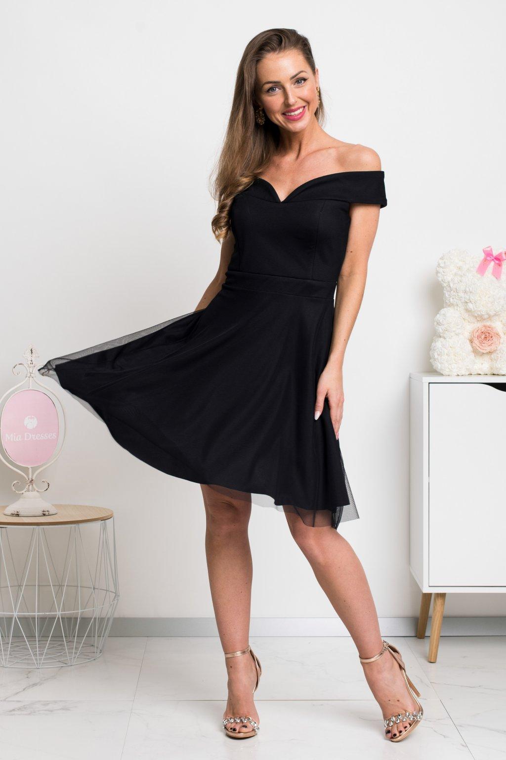 Čierne krátke tylové šaty