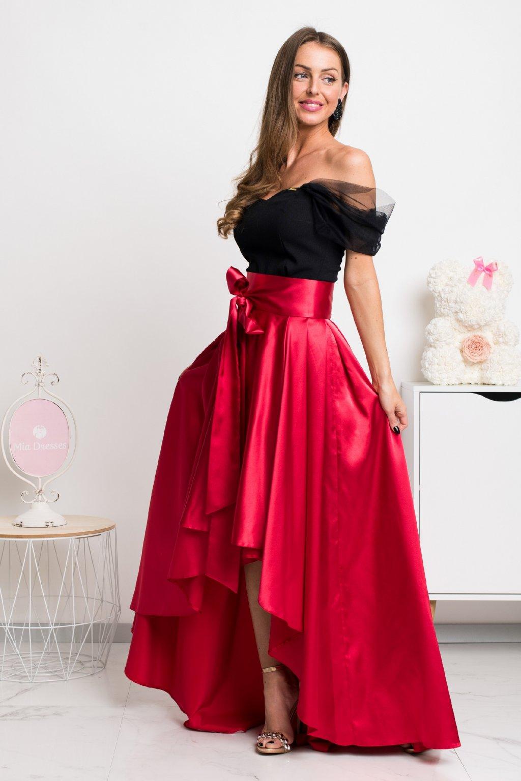 Červená saténová asymetrická sukňa