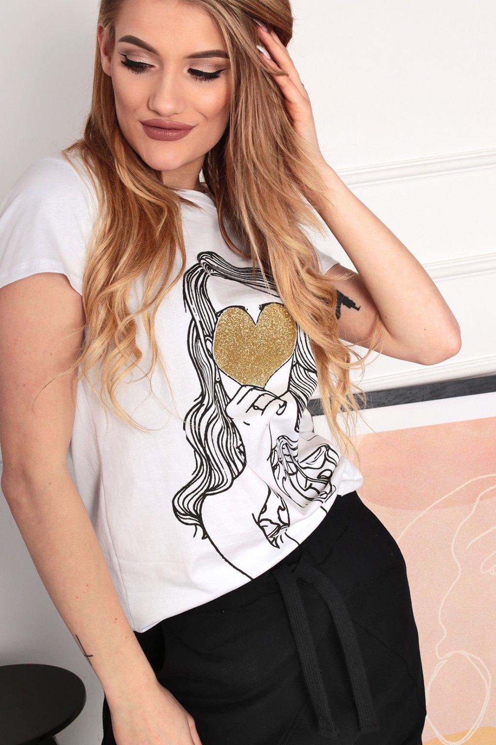 Biele tričko so zlatým srdiečkom