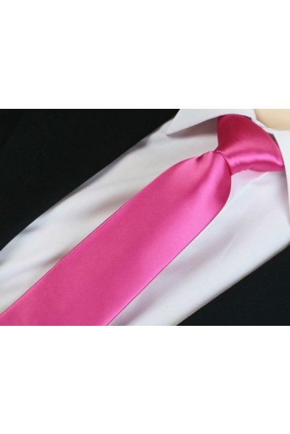 Cyklaménová kravata