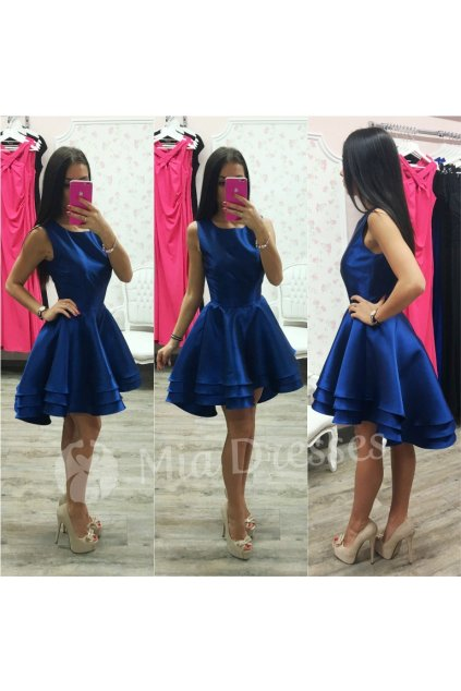 Tmavomodré spoločenské asymetrické šaty