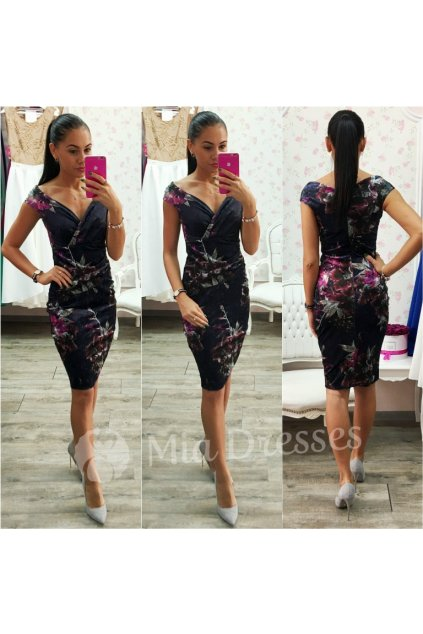 Tmavomodré zamatové midi šaty