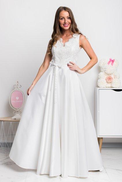 Smotanové spoločenské šaty so saténovou sukňou