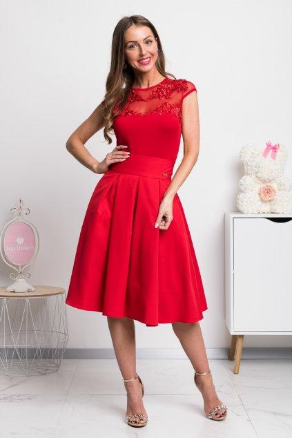 Červená áčková krátka sukňa