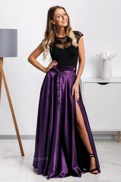 Fialová saténová sukňa s rozparkom