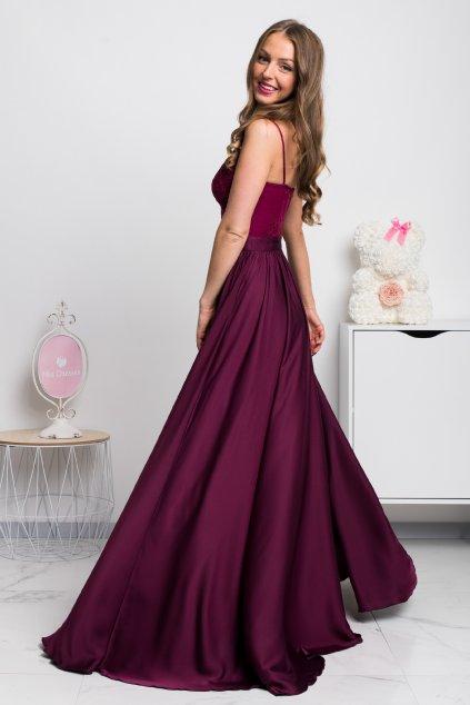 Bordovofialové spoločenské šaty s flitrami a saténovou sukňou
