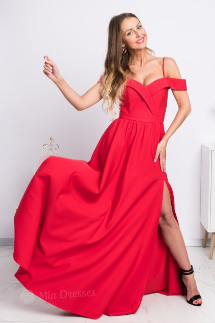 Červené spoločenské šaty spustené na ramená