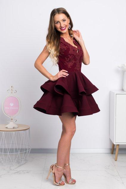 Bordové mini šaty s áčkovou sukňou