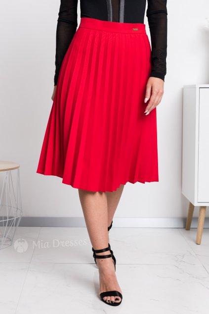 Červená plisovaná krátka sukňa