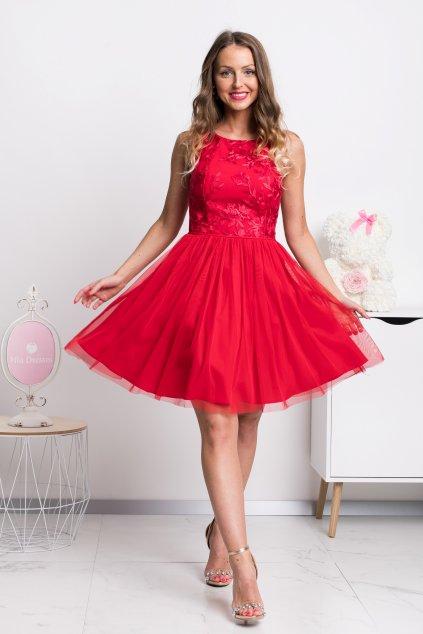 Červené krátke šaty s tylovou sukňou