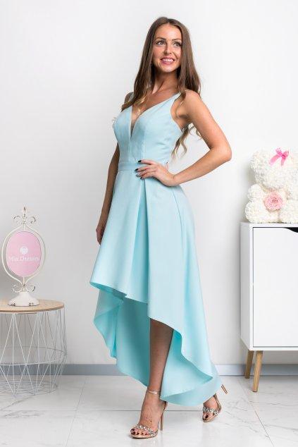 Svetlomodré asymetrické šaty