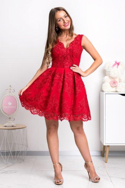 Červené spoločenské mini šaty s krajkou