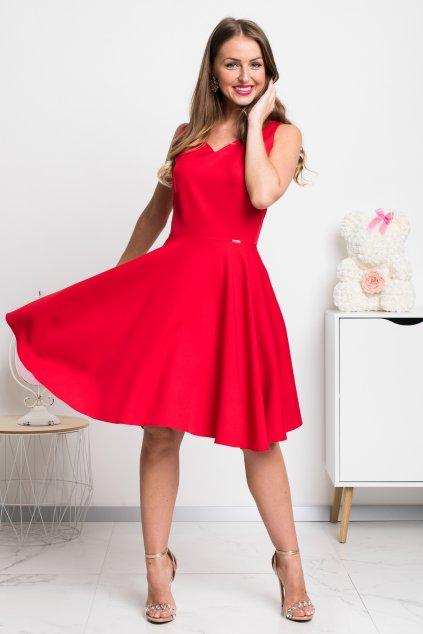 Červené krátke šaty s áčkovou sukňou