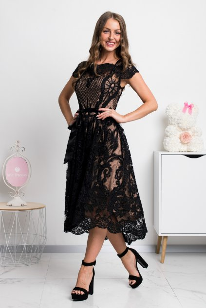 Čierne krátke krajkované šaty