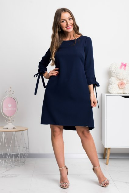 Tmavomodré krátke áčkové šaty