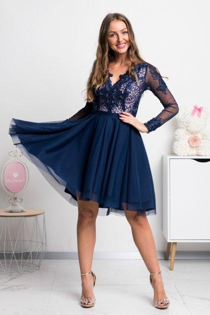 Tmavomodré krátke šaty s tylovou sukňou a rukávmi