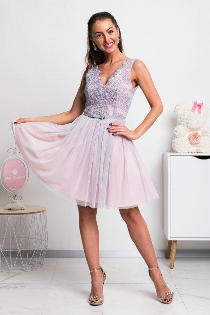 Sivo-ružové krátke spoločenské šaty s krajkou