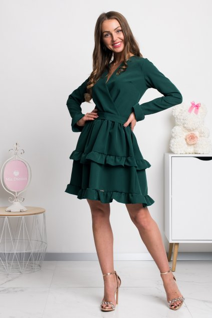 Smaragdové krátke šaty s volánovou sukňou