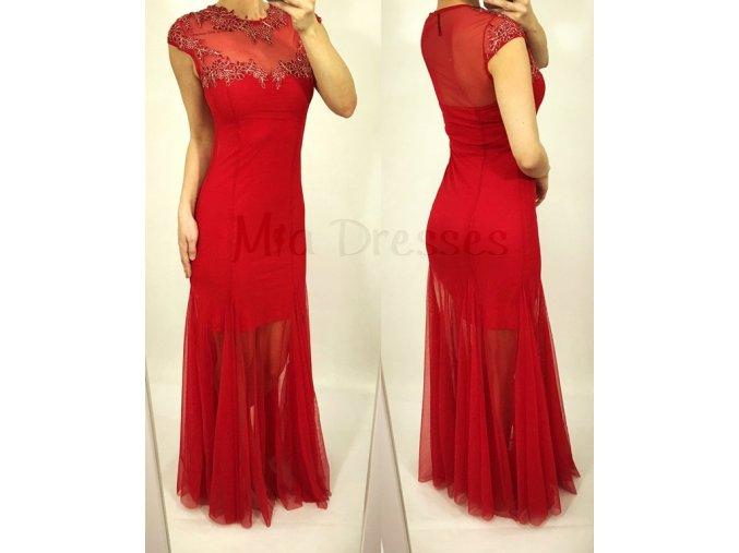 Červené šaty so sieťkou zdobenou kvietkami