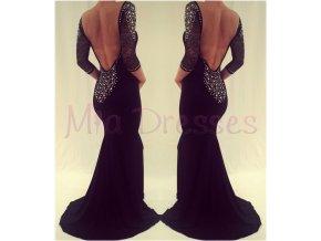 Čierne spoločenské šaty zdobené kamienkami