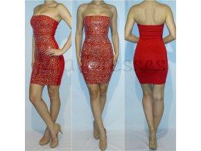 Červené šaty posiate kamienkami