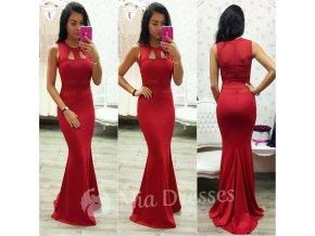 Červené dlhé šaty s výrezmi