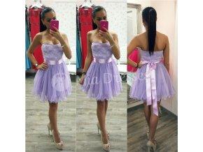 Fialové šaty s čipkovaným vrchom