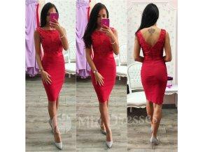 Červené šaty s flitrami