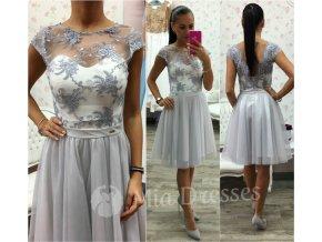 Bielo-sivé spoločenské šaty