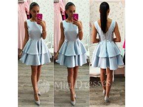 Svetlomodré šaty so skladanou sukňou