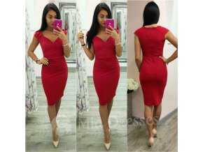 Červené krátke šaty s výstrihom