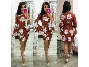 Hnedé kvetinové šaty s rozšírenými rukávmi