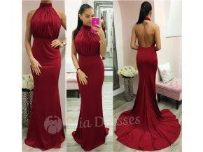 Červené spoločenské šaty s vlečkou