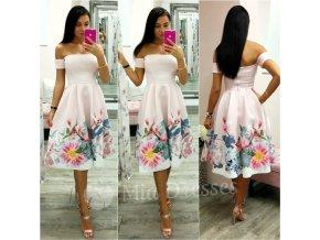Svetloružové áčkové midi šaty s kvetinami