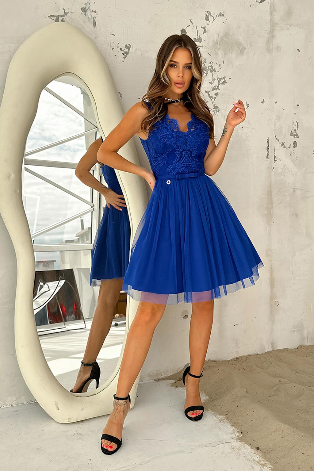 Modré krátke spoločenské šaty s krajkou Veľkosť: XS
