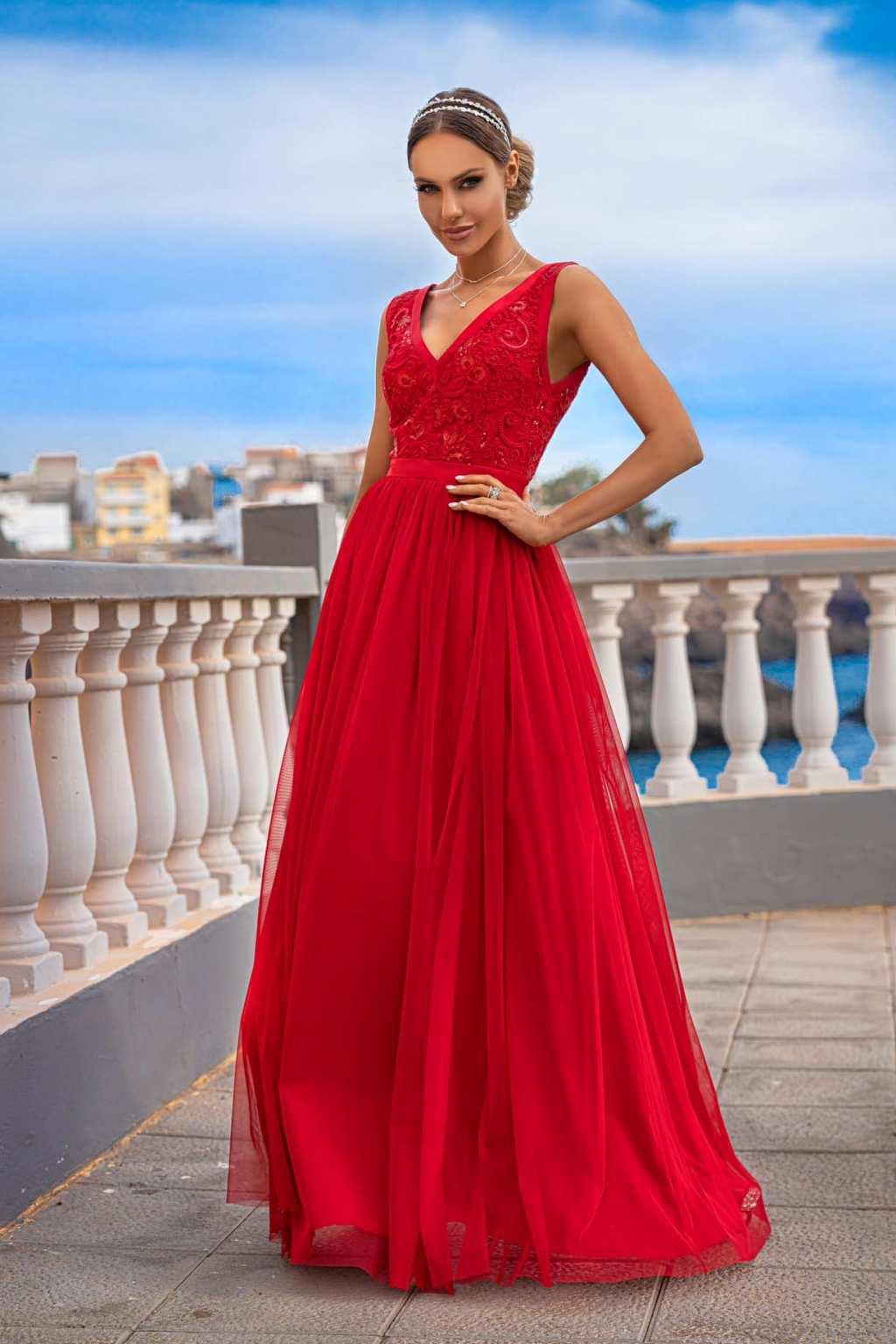 Červené spoločenské šaty s krajkou Veľkosť: XS