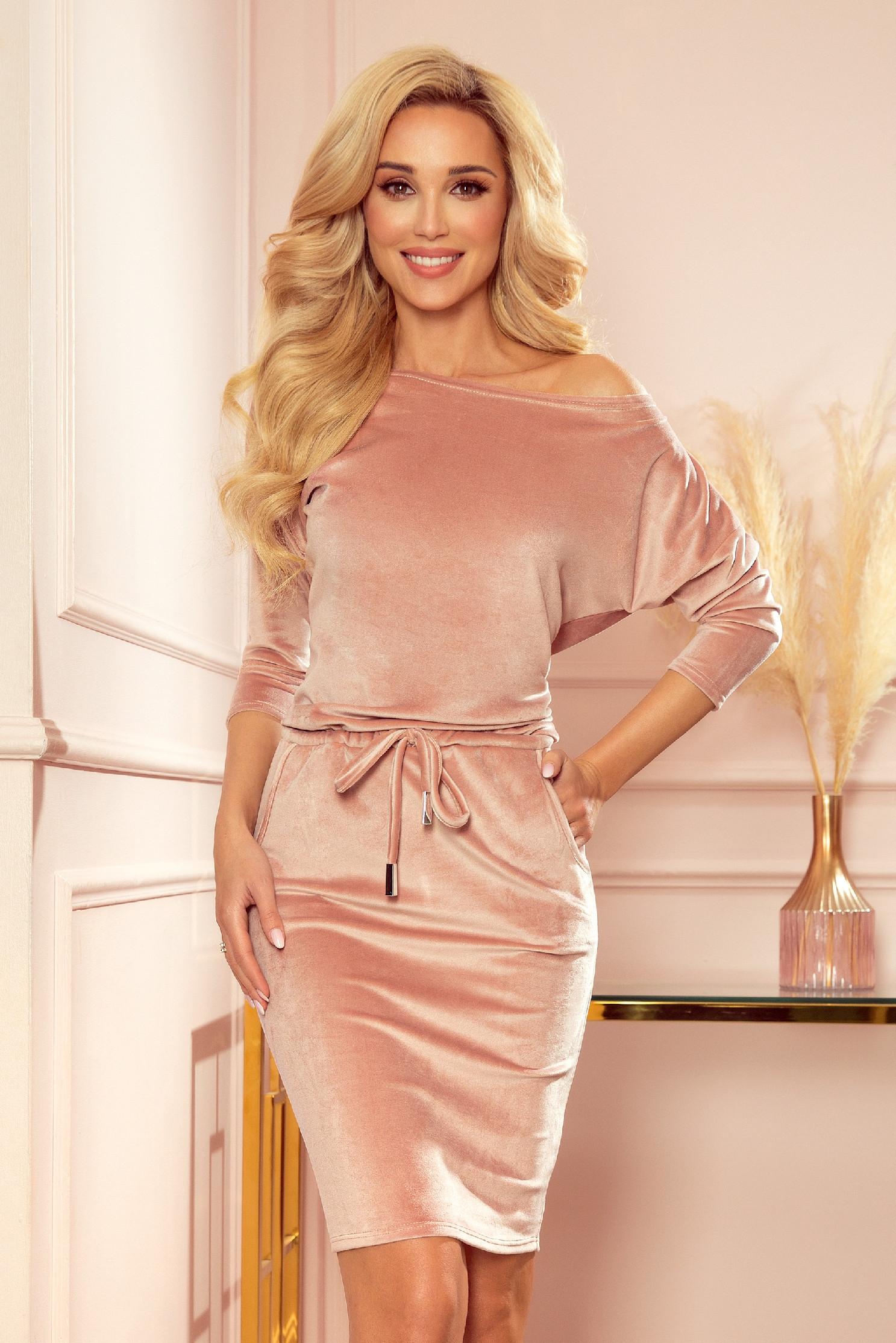 Ružové krátke velúrové šaty Veľkosť: M