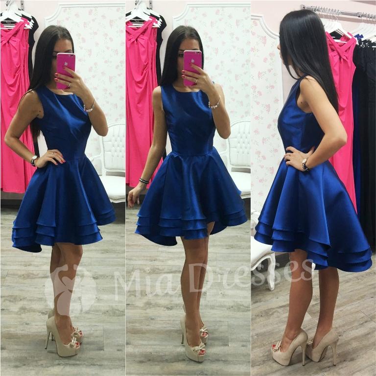 Tmavomodré spoločenské asymetrické šaty Veľkosť: M