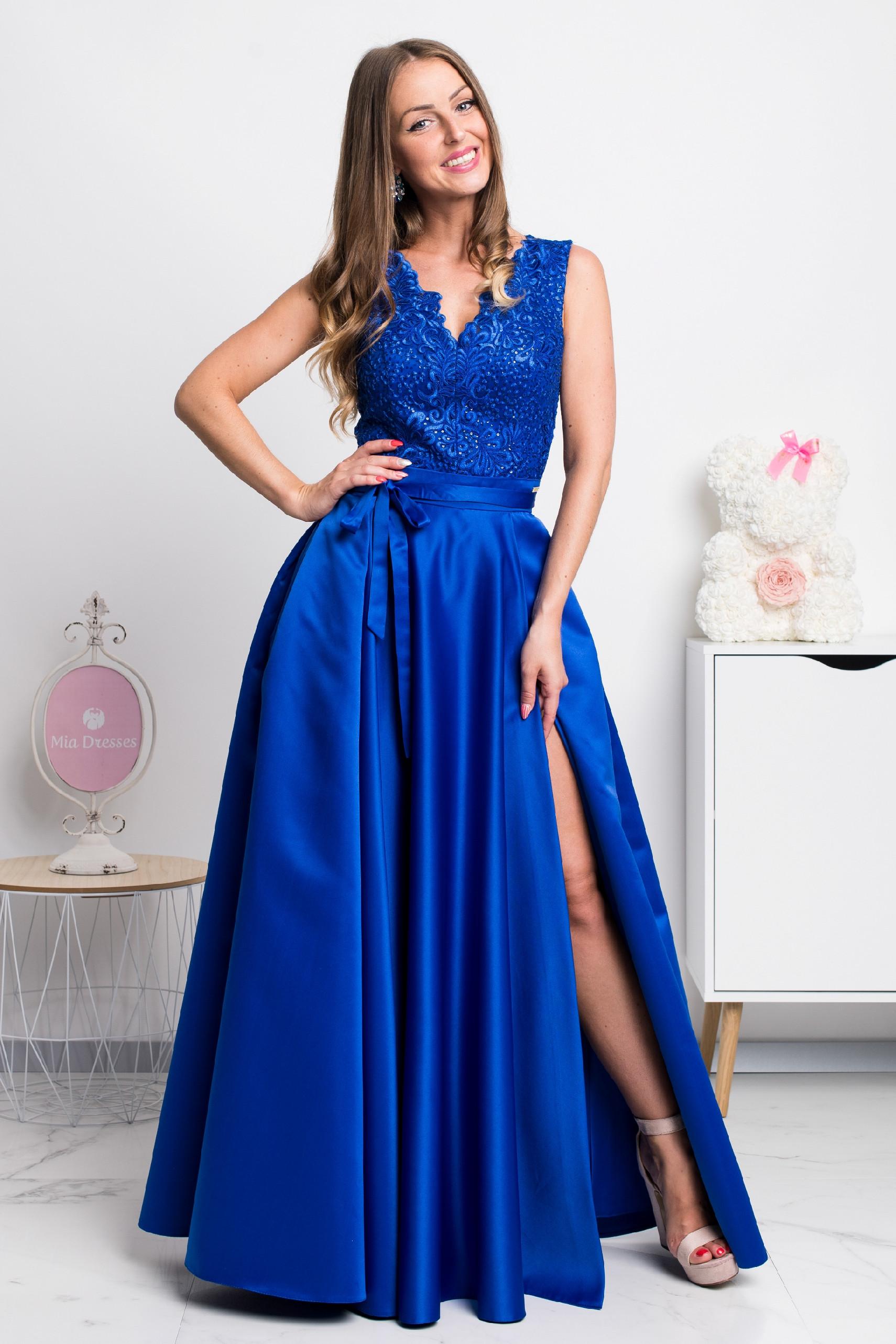 Modré spoločenské šaty so saténovou sukňou Veľkosť: XL