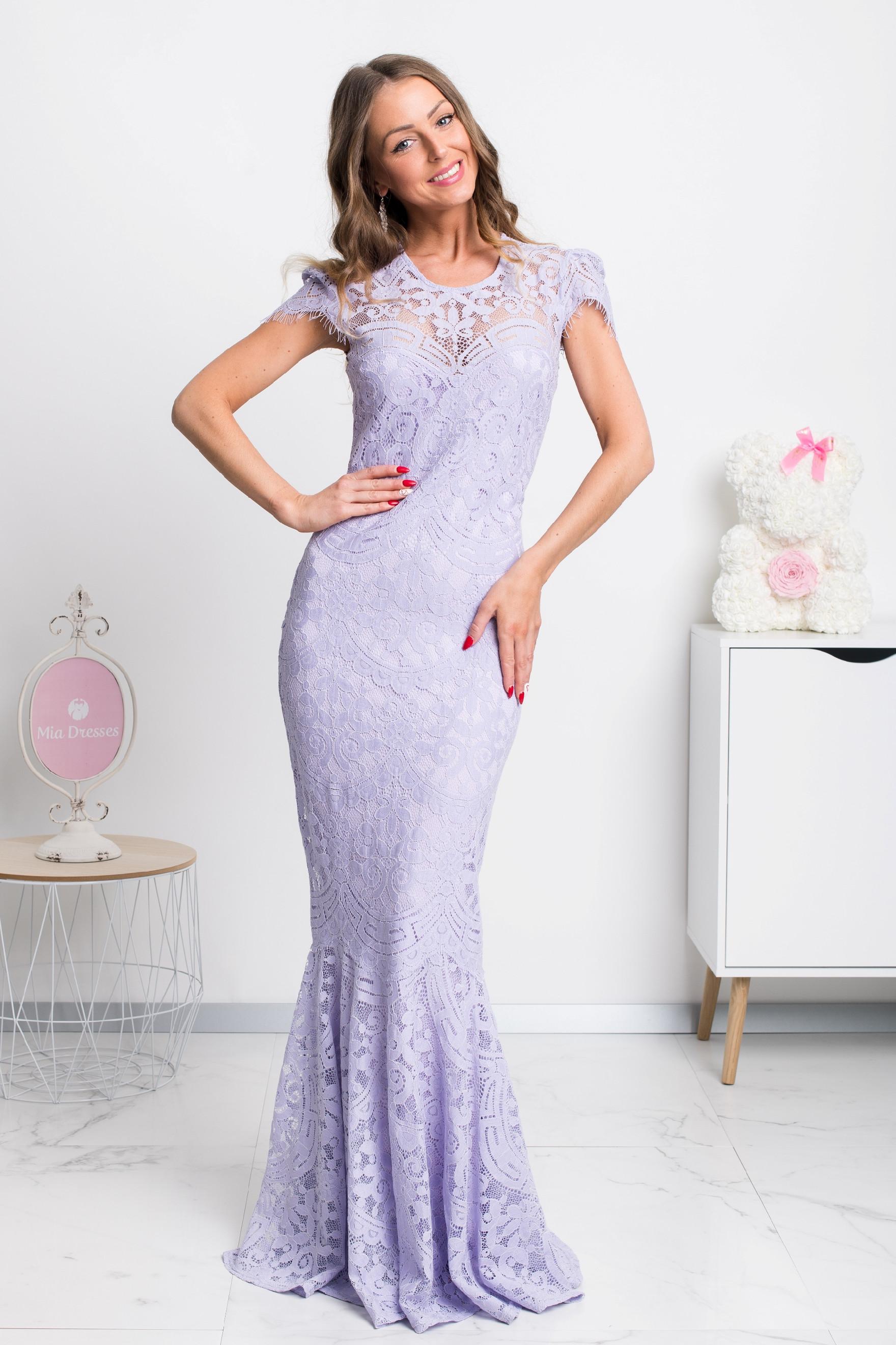 Fialové spoločenské šaty s krajkou Veľkosť: M